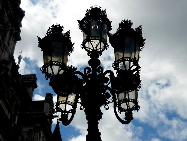 Candelabra lamp post in Place de l'Hôtel de Ville © French Moments