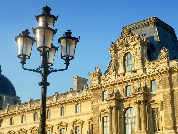 Candelabra with five lamps at the Louvre © French Moments
