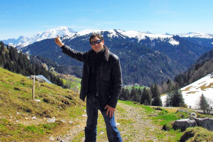 Pierre showing Mont-Blanc in the distance © French Moments