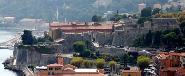 Citadelle Saint-Elme Villefranche-sur-mer © Fafou06 - licence [CC BY-SA 3.0] from Wikimedia Commons