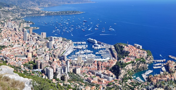 Panorama of Monaco from La Turbie © Tobi 87 - licence [CC BY-SA 3.0] from Wikimedia Commons