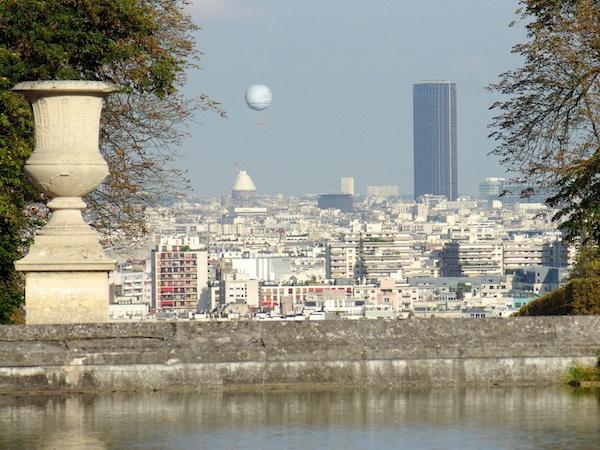 View of Tour Montparnasse from Rond-Point de la Grande Gerbe, Parc de Saint-Cloud © French Moments