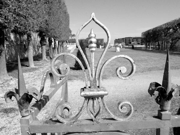 Parc de Saint Cloud NB 21 copyright French Moments