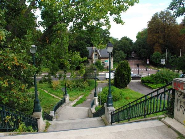 Walk in Saint-Cloud Suresnes 11 © French Moments