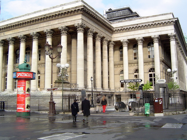 Bourse de Paris © licence [CC BY-SA 3.0] from Wikimedia Commons