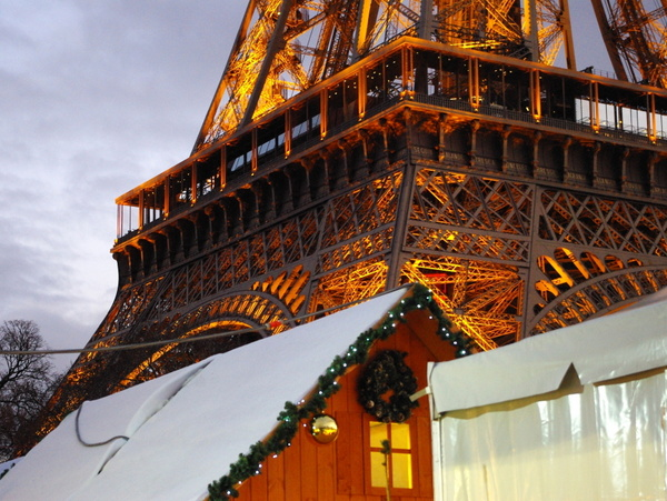Christmas Market Quai Branly © French Moments