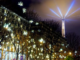 End of year in Avenue Montaigne, Paris © French Moments