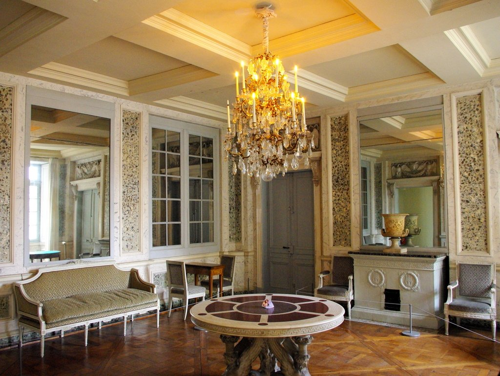 chateau maisons laffitte interior 10 copyright french moments french moments. Black Bedroom Furniture Sets. Home Design Ideas