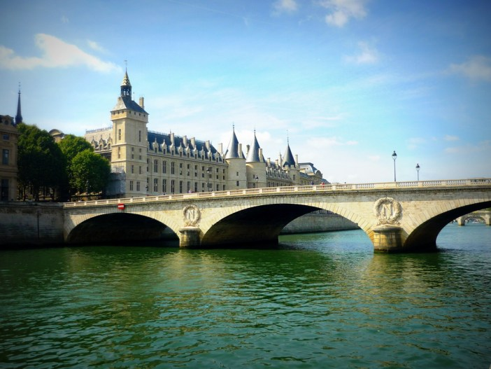 Pont au change, Quais de la Seine © French Moments