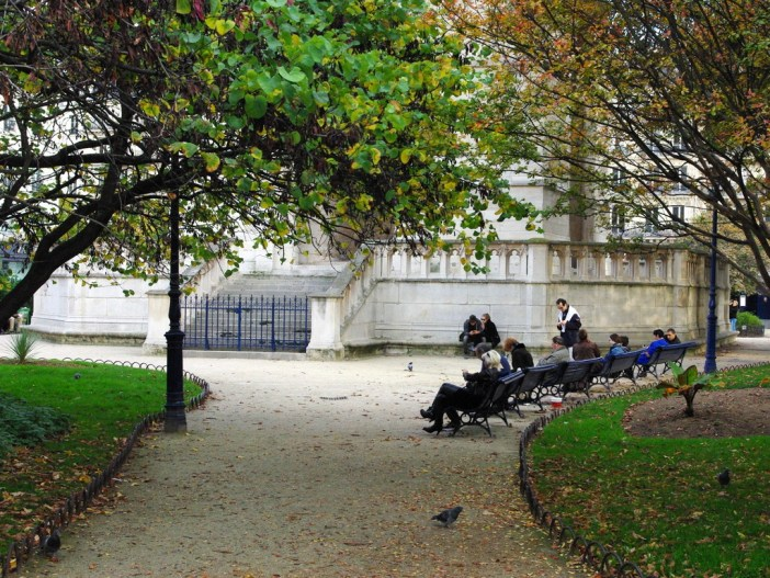 Parks and Gardens of Paris: Square de la Tour Saint-Jacques © copyright French Moments