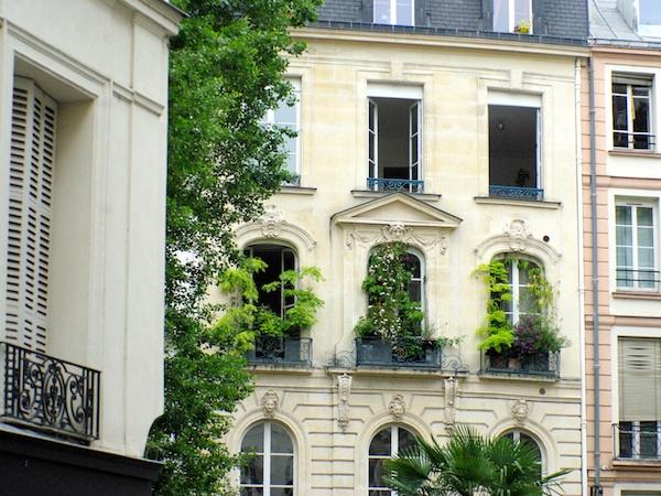 sixth arrondissement of paris french moments. Black Bedroom Furniture Sets. Home Design Ideas