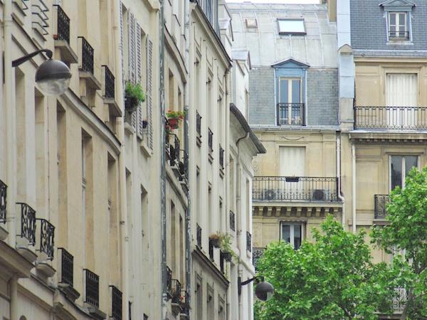 Rue du Dragon, Saint-Germain-des-Prés copyright French Moments