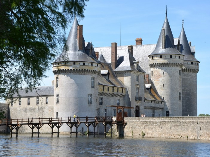 Sully-sur-Loire Castle © Pline - licence [CC BY-SA 3.0] from Wikimedia Commons