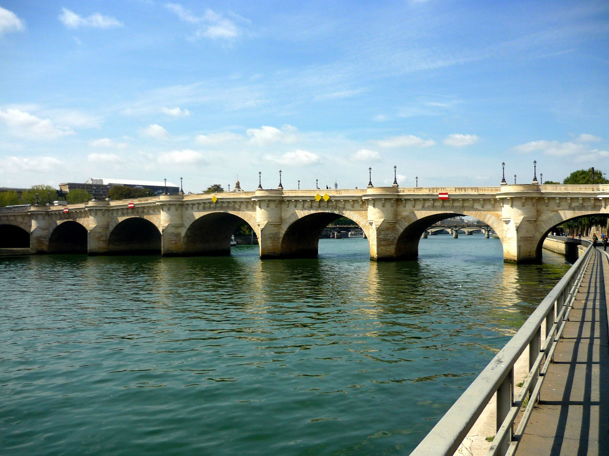 4305b01c991311 The little secrets of Pont-Neuf, Paris  oldest bridge - French Moments