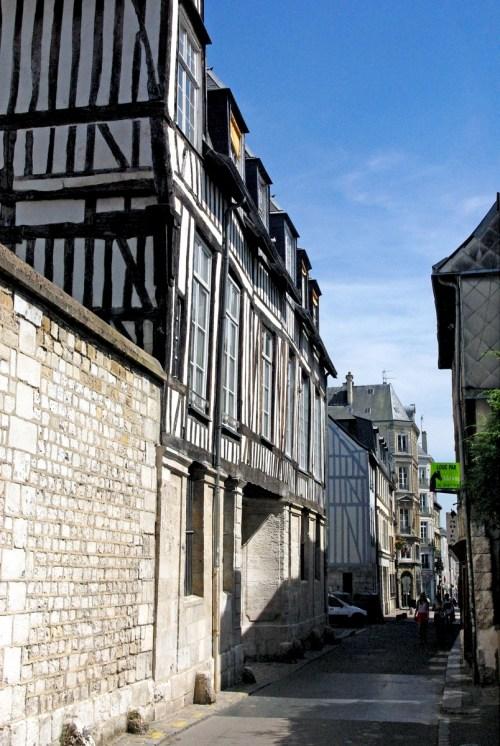 Rue de la Chaîne, Rouen © French Moments