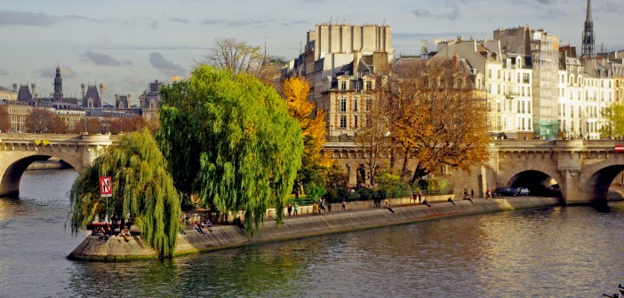 Autumn Banks of the Seine Paris © French Moments