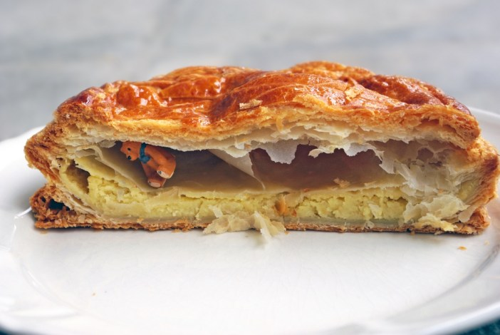 Lucky charm inside a Galette des Rois at Epiphany by Bauget, Maisons-Laffitte © French Moments
