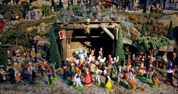 Nativity Scene Saint-François Xavier Paris 01 © French Moments
