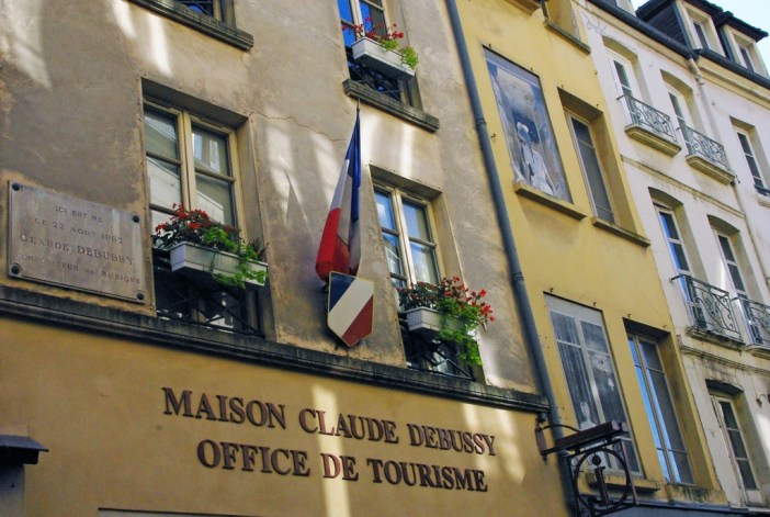 Claude Debussy House in the old town of Saint-Germain-en-Laye © French Moments