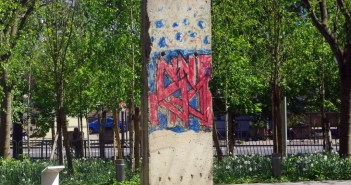 Berlin Wall in Paris 2 © French Moments