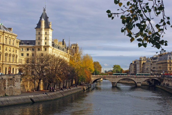 From Pont Neuf © French Moments