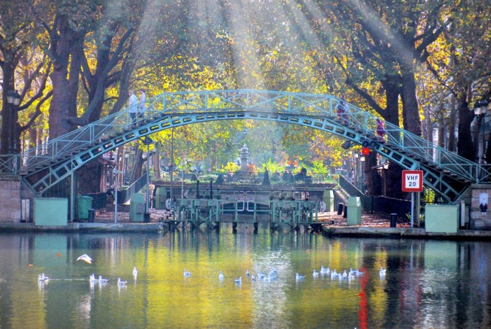 Discover the Canal Saint-Martin in Paris © French Moments