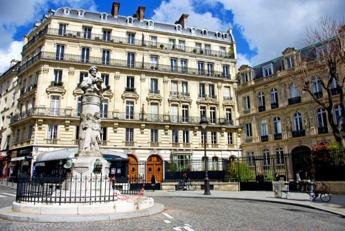 Romantic places in Paris: Place Saint-Georges © French Moments
