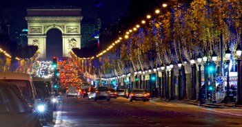 Christmas on the Champs-Élysées © French Moments
