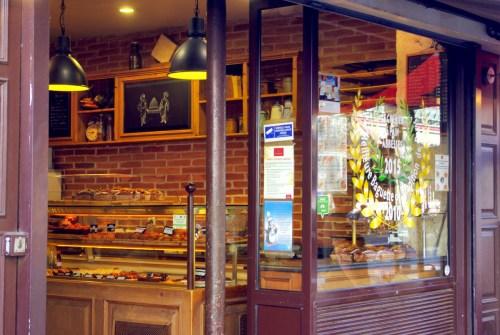 Le Grenier à pain baguette Paris