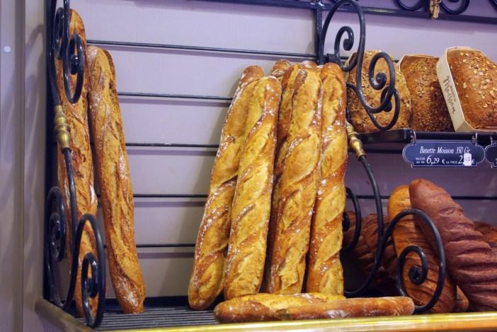 baguettes in Paris Au paradis gourmand