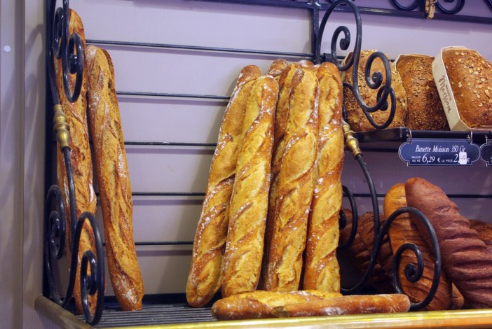 baguettes in Paris Au paradis gourmand