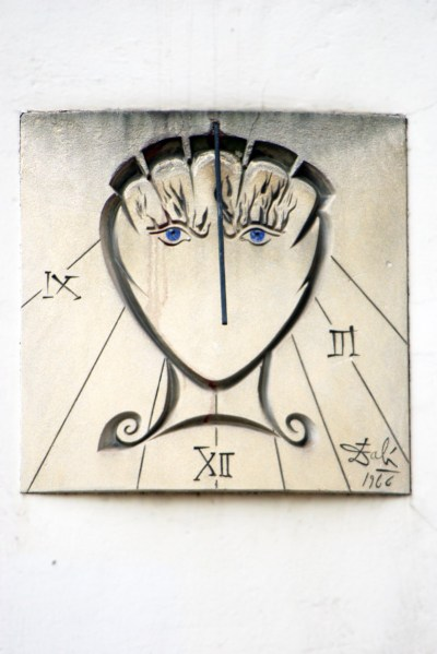The Salvador Dali sundial in Paris © French Moments