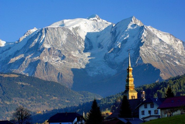 The church of Combloux and Mont-Blanc in the French Alps © French Moments
