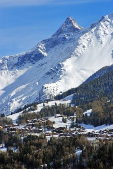 The winter resort of Les Coches © French Moments