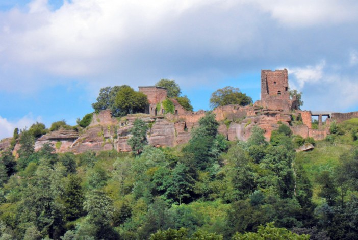 Lutzelbourg castle © Gzen92 - licence [CC BY-SA 4.0] from Wikimedia Commons