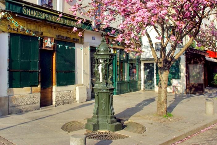 Wallace Fountain in Rue de la Bucherie (5th arrt) © French Moments
