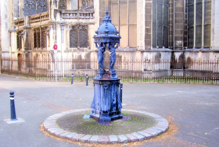 Wallace fountain in Nancy, Lorraine © French Moments