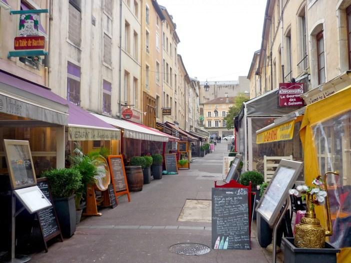 Rue des Maréchaux © French Moments