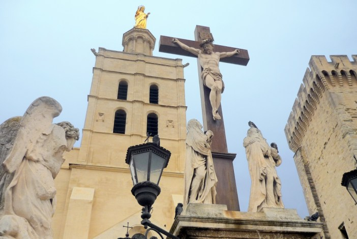 The cathedral of Avignon © French Moments