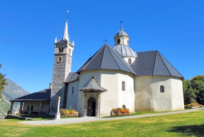 Church of Notre-Dame-de-la-Vie in Saint-Martin-de-Belleville © Simon Strueux - licence [CC0] from Wikimedia Commons