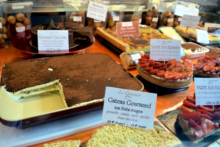 Caterer Le Gourmet Dijon at the Halles market © French Moments