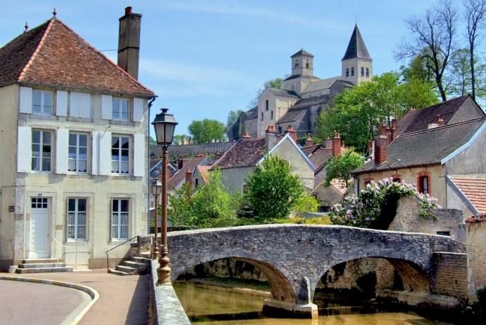 Châtillon-sur-Seine [Public Domain]