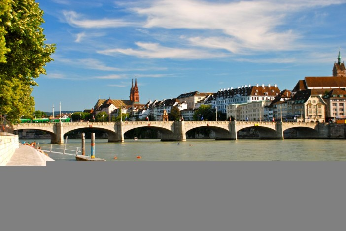The Rhine in Basel Switzerland © Lucazzitto - licence [CC BY-SA 3.0] from Wikimedia Commons