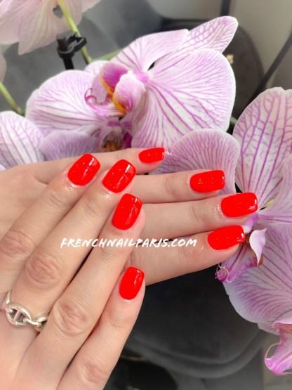 Sublimez les ongles de vos mains avec une pose résine parfaitement réalisée d'un vernis permanent par une de vos expertes.