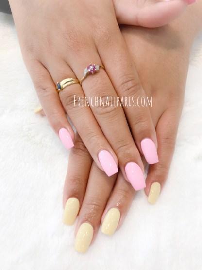 Parez vos ongles d'une pose de résine de toute beauté en profitant d'un vernis classique parfaitement assorti à vos envies.