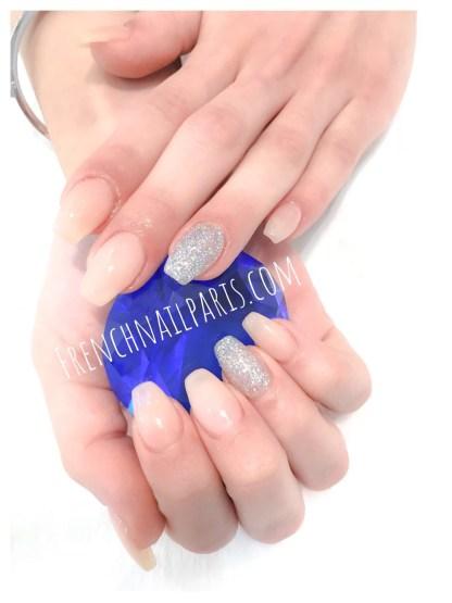 Remplissage résine mains vernis permanent
