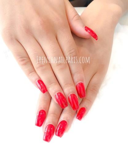 Chouchoutez vos mains en vous offrant une parenthèse beauté avec unremplissage résinequi redonnera éclat à vos ongles.