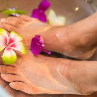 Soin beauté des pieds sans vernis