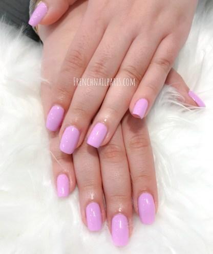 Offrez une mise en beauté soignée de vos mains et sublimez les avec une manucure ou une pose de vernis semi permanent parfaitement colorée !