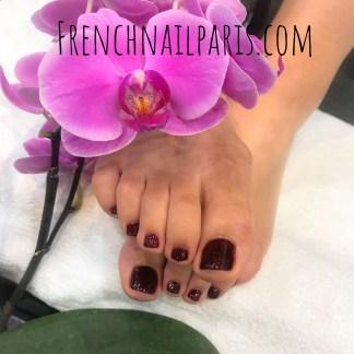 Beauté des pieds avec vernis semi-permanent